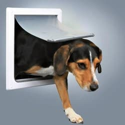 Trixie Дверца для кошек/собак врезная белая размер S-M (22,5х29,5 см) артикул 3878