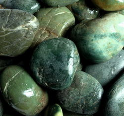 АкваГрунт Галька шлифованная 20-40мм Зеленая, 1кг д/аквариума, арт.2028